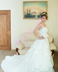 Wedding dress 334675218